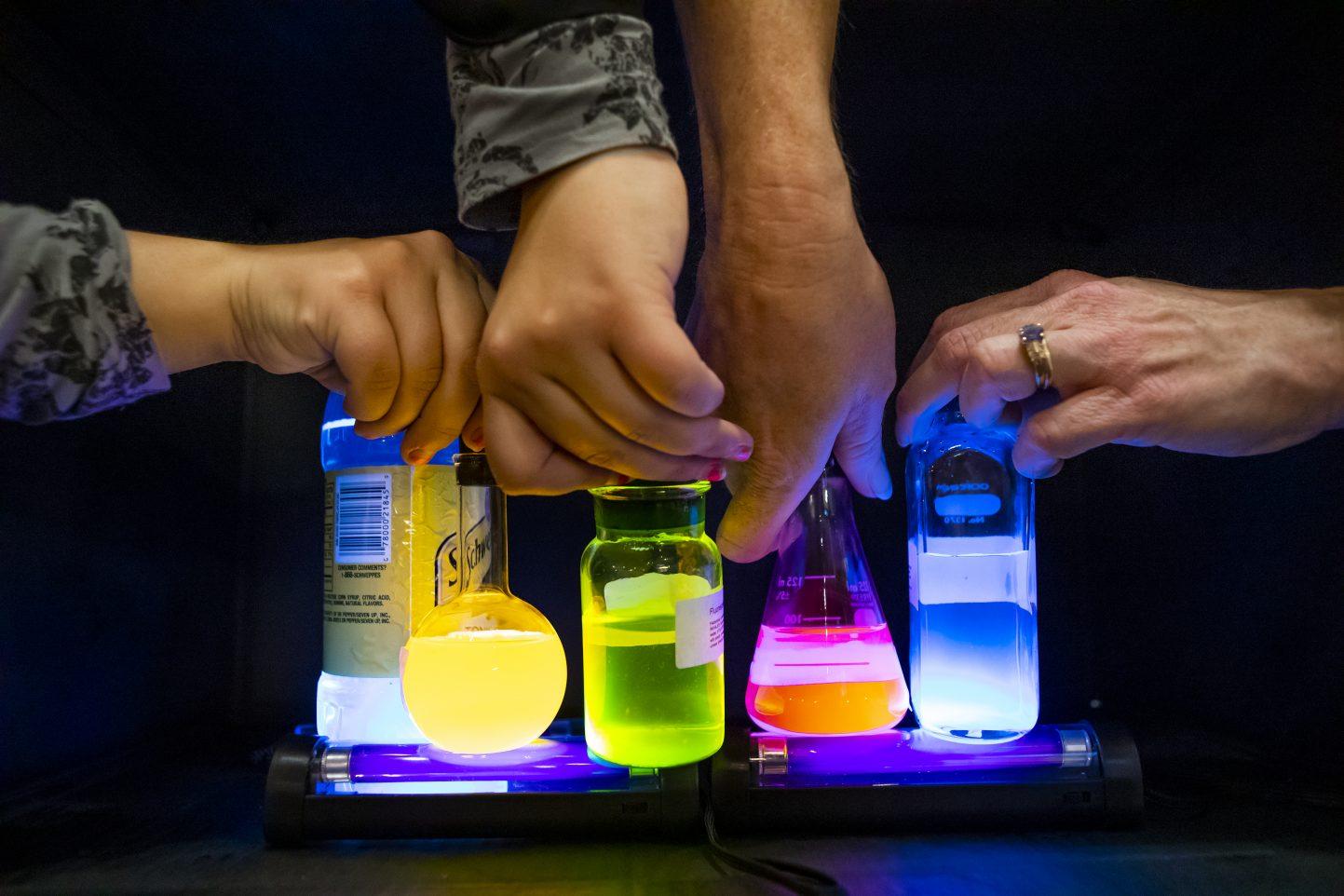 Glowing Fluids