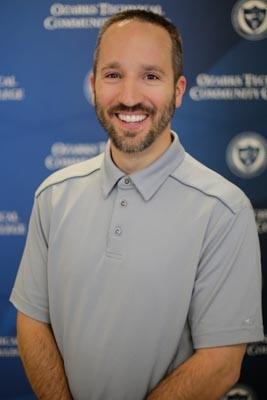 Dr Wade Wheeler